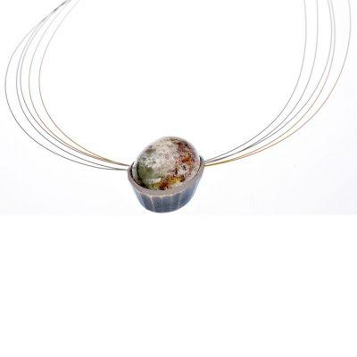 925/-Silber 500/-Palladium 1 Positivkristallquarz 30,65 ct, Cabouchon mit Nyloncollier